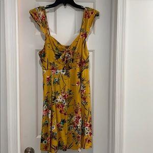 Floral print dress w sweat heat neck line cutout
